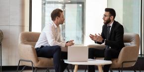 إجراء المقابلات، استقطاب الكفاءات واختيارها وادارة الأداء