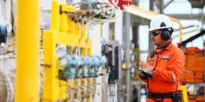 إدارة نظم وبرامج الصيانة الوقائية والتنبؤية وتخطيط قطع الغيار